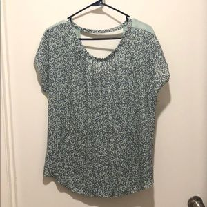 Cap-sleeved top with floral print